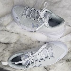UNDER ARMOR TENNISHOES 9.5 WOMAN  7 YOUTH